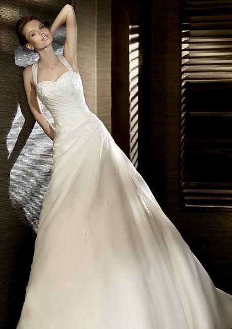 Wedding dress selection mjk events for Wedding dress large bust small waist