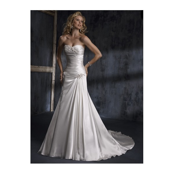 Wedding Dresses Small Bust Large Hips : Wedding dress selection mjk events